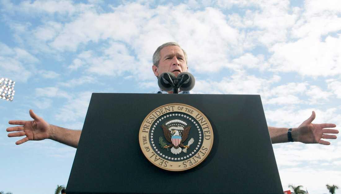 George W Bush (född 1946) var USA:s president 2001-2009. Dessförinnan var han guvernör i TExas och affärsman i oljebranschen . Sara Stenholm har läst hans memoarer.
