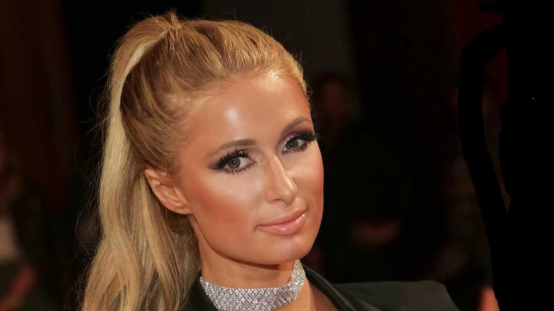 Paris Hilton öppnar sig om trakasserierna på internatskolan.