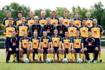 1-2, 0-0, 1-2... Bara sju av 22 spelare i EM-truppen 2000 är aktuella för spel i landslaget i dag. På bara tre år har Sverige gjort en generationsväxling - som knappt har märkts.