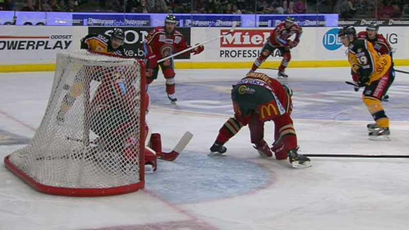 Niklas Fogström reducerar till 2-3 för Luleå - eller?