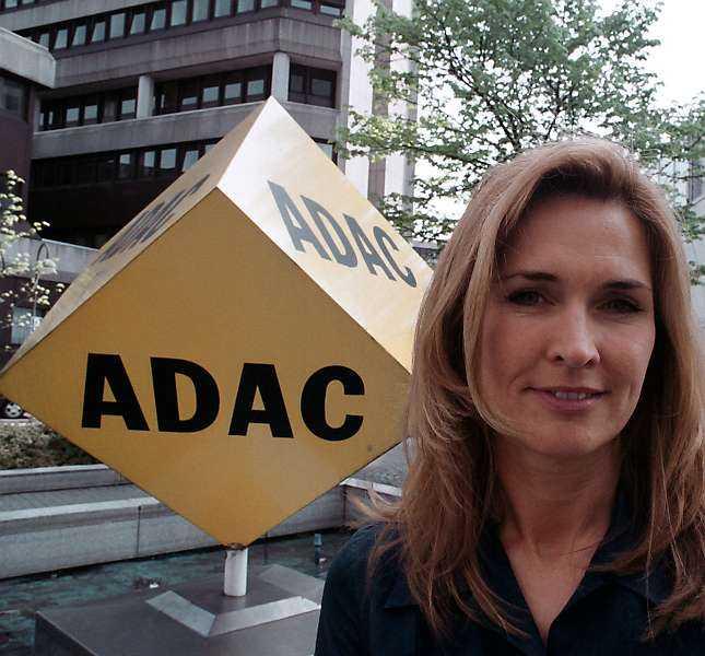 GUL ÄNGEL Jacqueline Grünewald på ADAC ger turisterna råd inför resan. Läs mer på www.adac.de