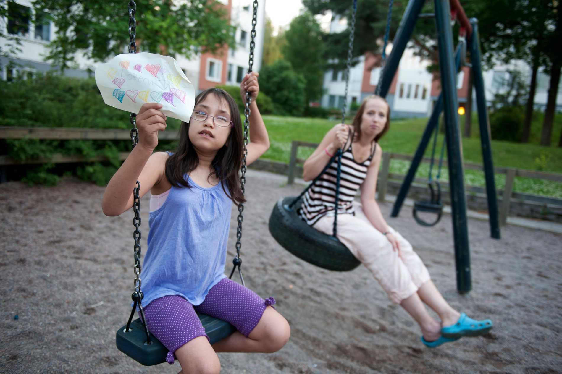 Therese Åström och hennes dotter Leah har fått biljetter till Allsången.