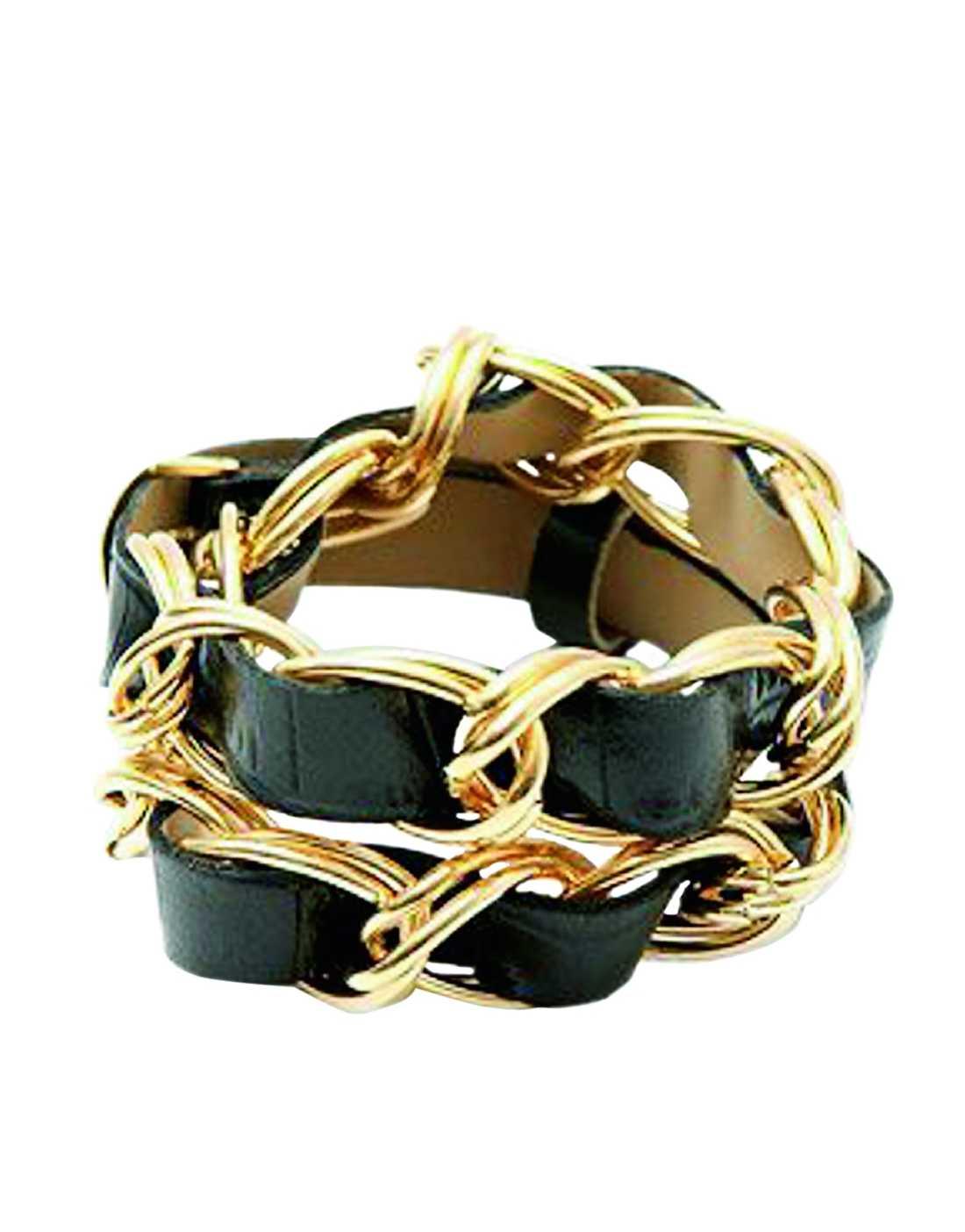 Det här armbandet vill vi matcha med en söt klänning. Pris cirka 135 kronor, www.asos.com