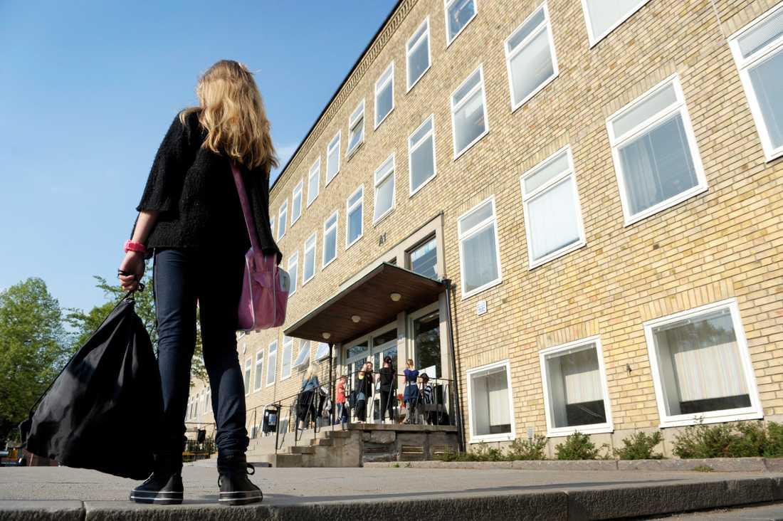 Fler än 50 000 barn är fortfarande mobbade i svenska skolan idag, visar siffror från Nationellt Centrum för Suicidforskning och prevention av psykisk ohälsa.