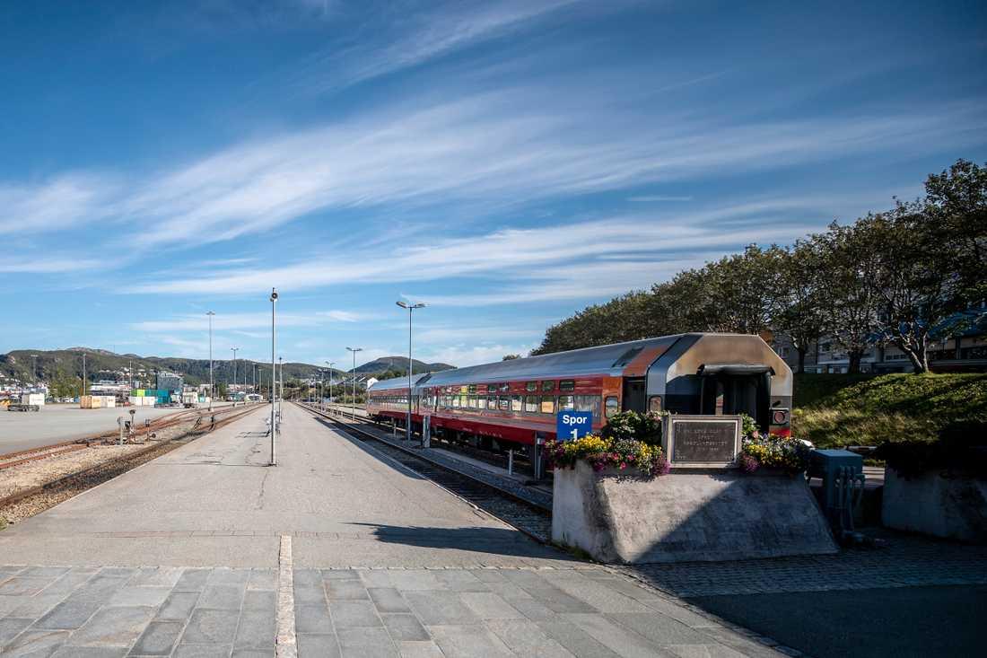 De sista spåren efter Arjen Kamphuis upphörde på tågstationen i Bodø, där han tog tåget till Rognan.
