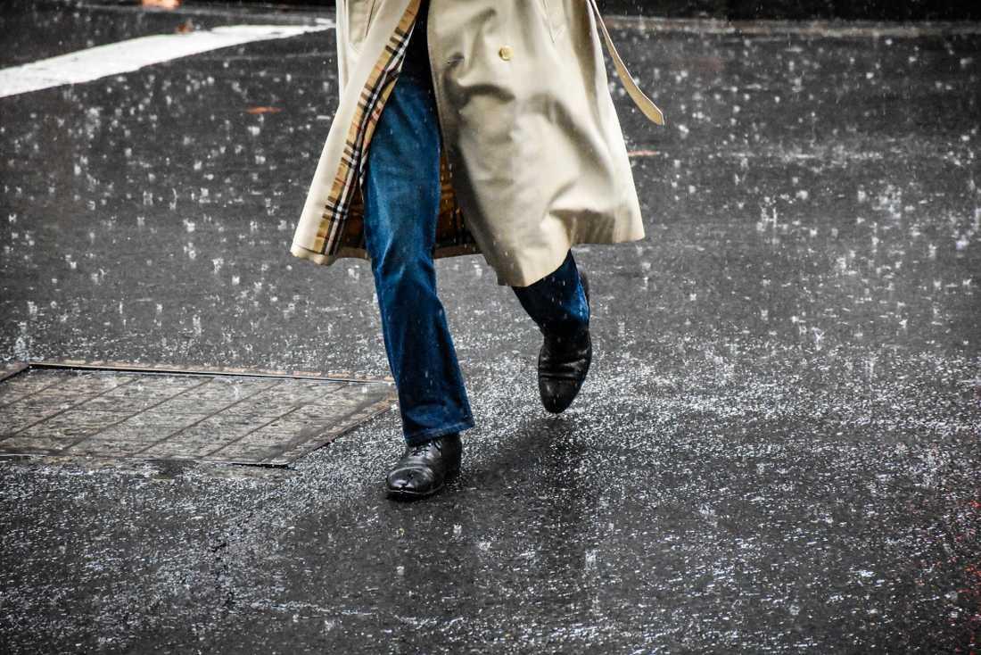 Arkivbild. På valdagen kommer det troligen regna i stora delar av landet. Värst ser det ut i landets södra delar.