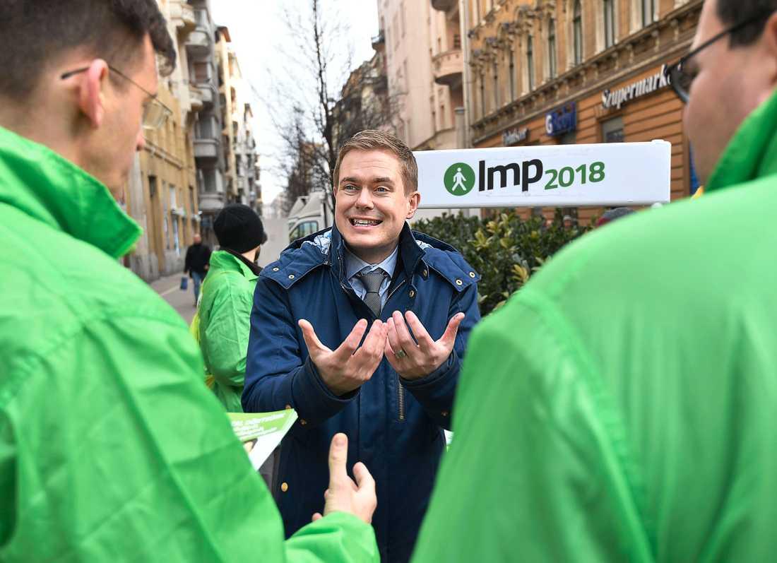 De gröna partiet LMP har bjudit in Gustav Fridolin till Budapest.