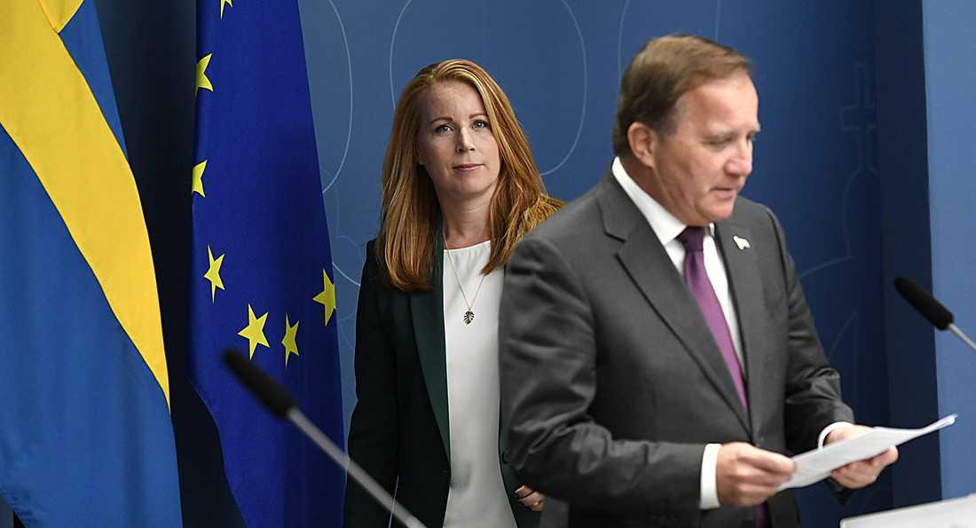 Statsminster Stefan Löfven måste stå upp för socialdemokratisk politik, även om den inte gör Centerpartiets Annie Lööf glad.