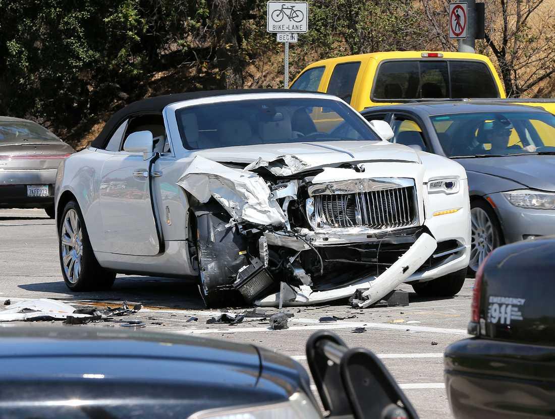 Bilen, värd uppåt fyra miljoner kronor, hade Kris Jenner hämtat ut för en knapp vecka sedan.