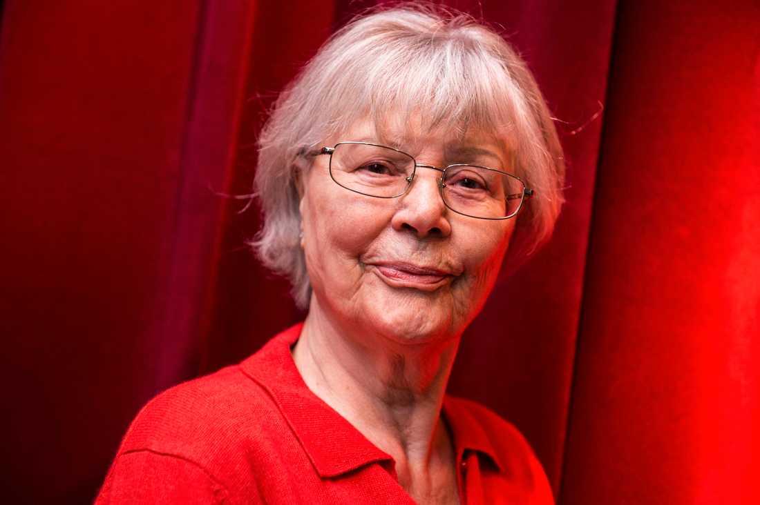 """""""Uppriktigt sagt börjar jag bli jävligt trött på det här. Och ledsen och förbannad"""", säger Harriet Andersson."""