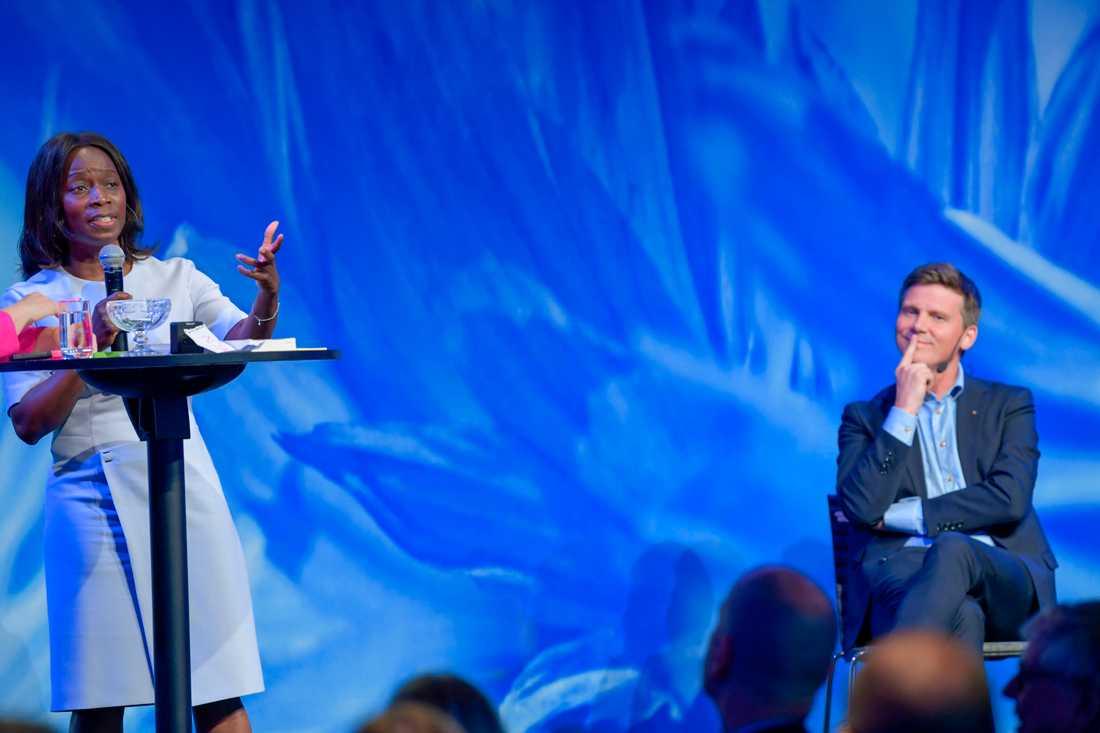 Nyamko Sabuni och Erik Ullenhag vill båda bli ny partiledare för Liberalerna. Bild från tidigare i juni.