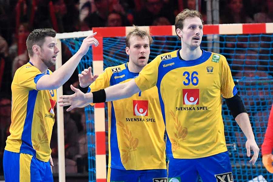 Jesper Nielsen (längst till höger) ska göra sitt bästa för att förstöra festen