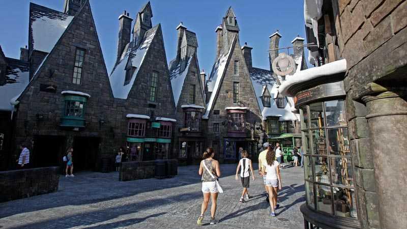 """Nöjesfältet """"Wizarding World of Harry Potter"""" i Orlando, Florida, öppnades i juni i år och har blivit en stor succé."""