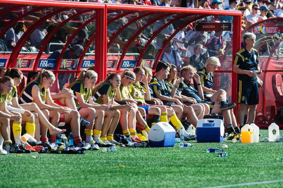 Ett tungt VM VM blev ett misslyckande för Sverige. Efter tre oavgjorda gruppspelsmatcher åkte de ut i åttondelsfinal efter storförlust mot Tyskland.