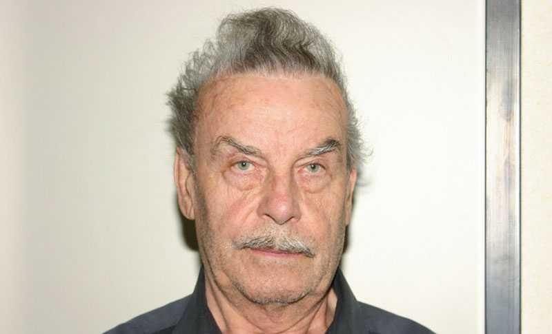 Polisen släppte på måndagen nytagna fotografier på den misstänkte Joseph Fritzl, 73.