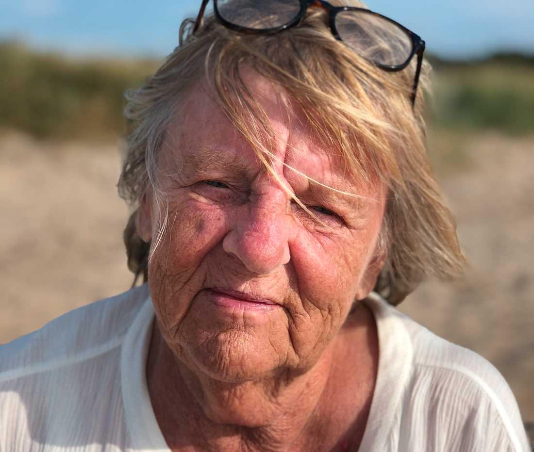 Pensionerade städerskan Barbro Werner intervjuas av sin dotter Rebecca Selberg apropå att rut-avdraget ska höjas från 50000 till 75000 kronor.