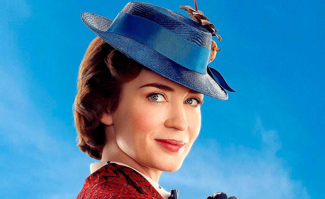 """Emily Blunt som den flygande barnflickan Mary Poppins i bioaktuella filmen """"Mary Poppins kommer tillbaka""""."""