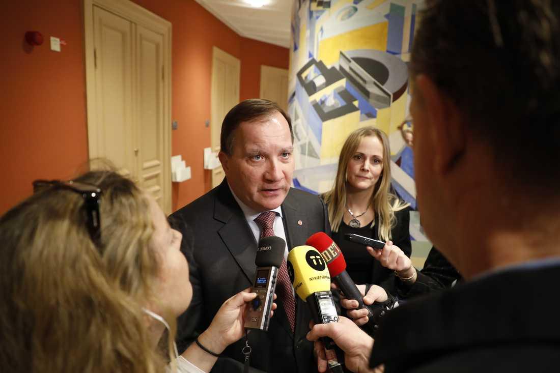 """Statsminister Stefan Löfven (S) intervjuas efter EU-nämndens sammanträde på onsdagen. """"Alla vill ha ett svar"""", säger han om mordet på Olof Palme."""