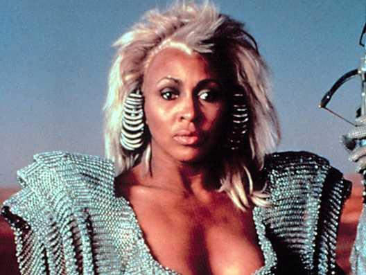 "Tina Turner i filmen ""Mad Max – bortom Thunderdome"" 1985."