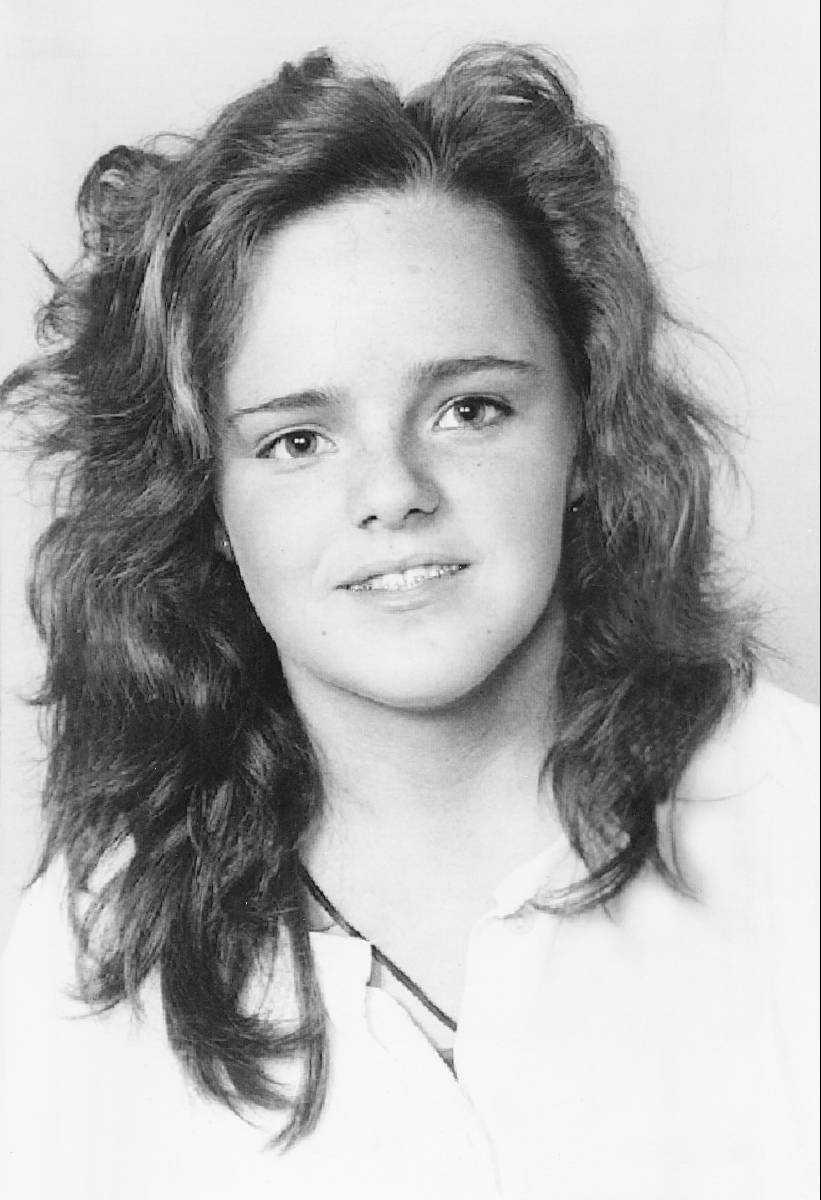 FÖRSVANN SPÅRLÖST  Helena Andersson, 22, kom aldrig hem efter utekvällen i Mariestad en juninatt 1992. Hittills har ingen kunnat knytas till försvinnandet. Men under de senaste veckorna har flera nya uppgifter kommit in. Leif GW Persson är övertygad om att Helenas mördare finns i materialet.
