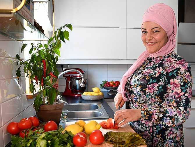 """""""Jag vill bidra till en härlig variation och det är rätter som funkar för både vegetarianer och köttätare"""", säger Zeina Mourtada."""
