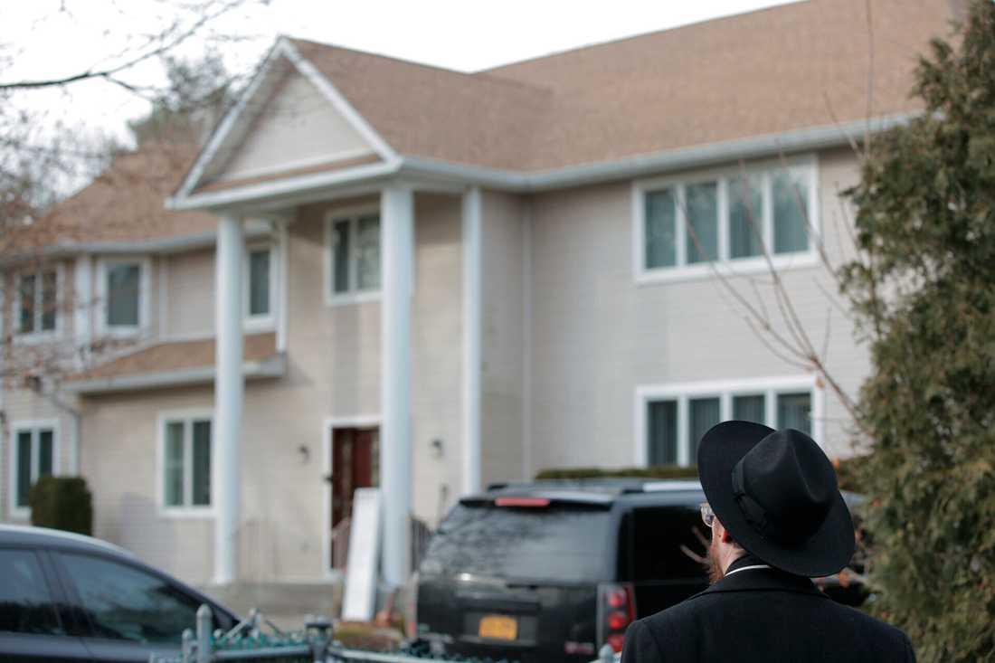 Rabbinens bostad i Monsey där attacken ägde rum på lördagskvällen.