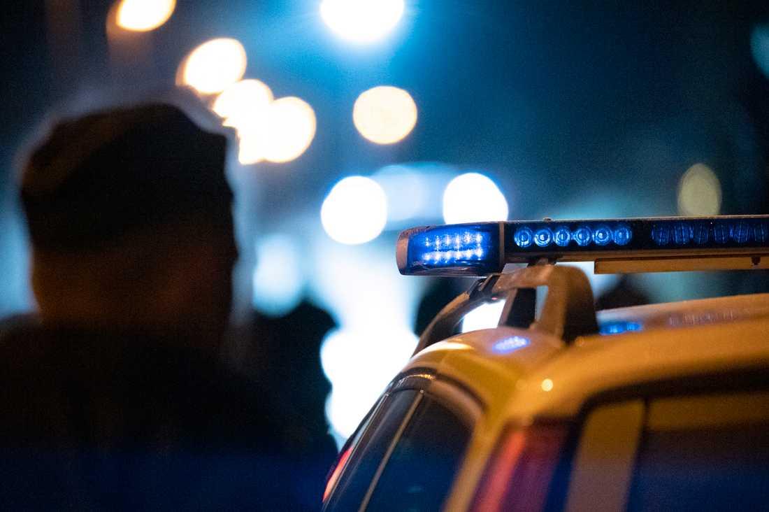 Personerna avlossade flera skott i luften och lämnade sedan platsen på en moped. Arkivbild.