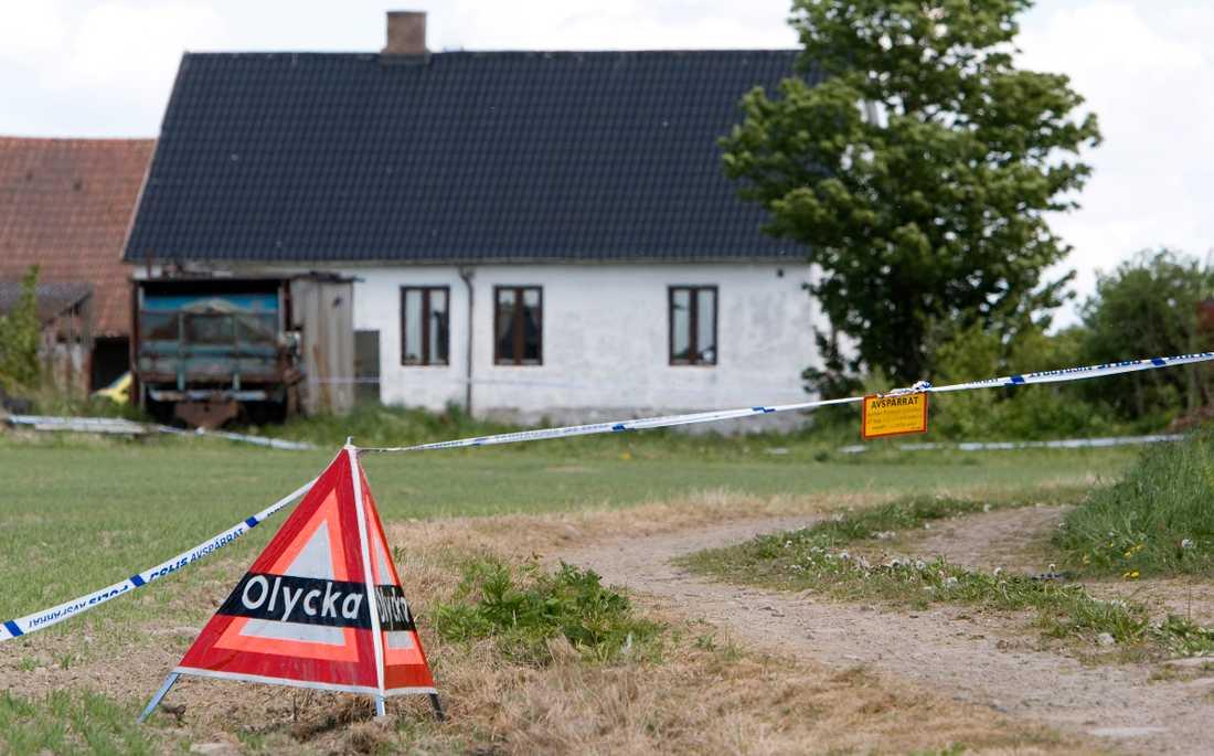 Den pensionerade lantbrukaren Knut Nilsson, 70, mördades i sin bostad för över tio år sedan.