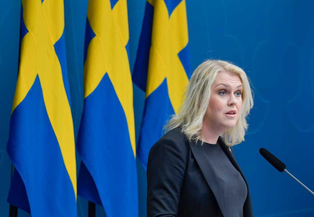 Sverige har nu laboratoriekapacitet att analysera 100000 coronatest i veckan. Enligt socialminister Lena Hallengren (S) är det upp till regioner och kommuner att se till att kapaciteten används. Arkivbild.