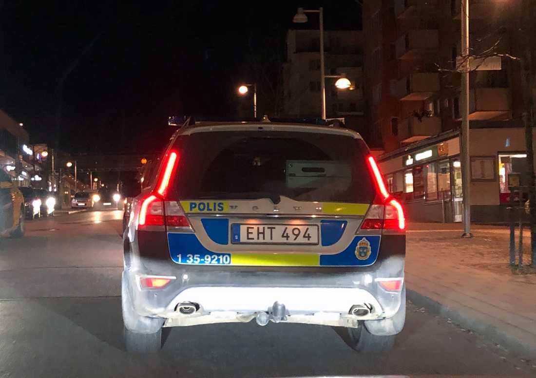 Polisen på plats i Rinkeby.