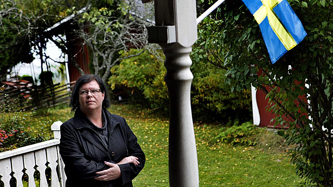 – Jag har grubblat över om felet är mitt, säger Lisa Wåhlin som brutit kontakten med sin son för att han är sverigedemokrat.