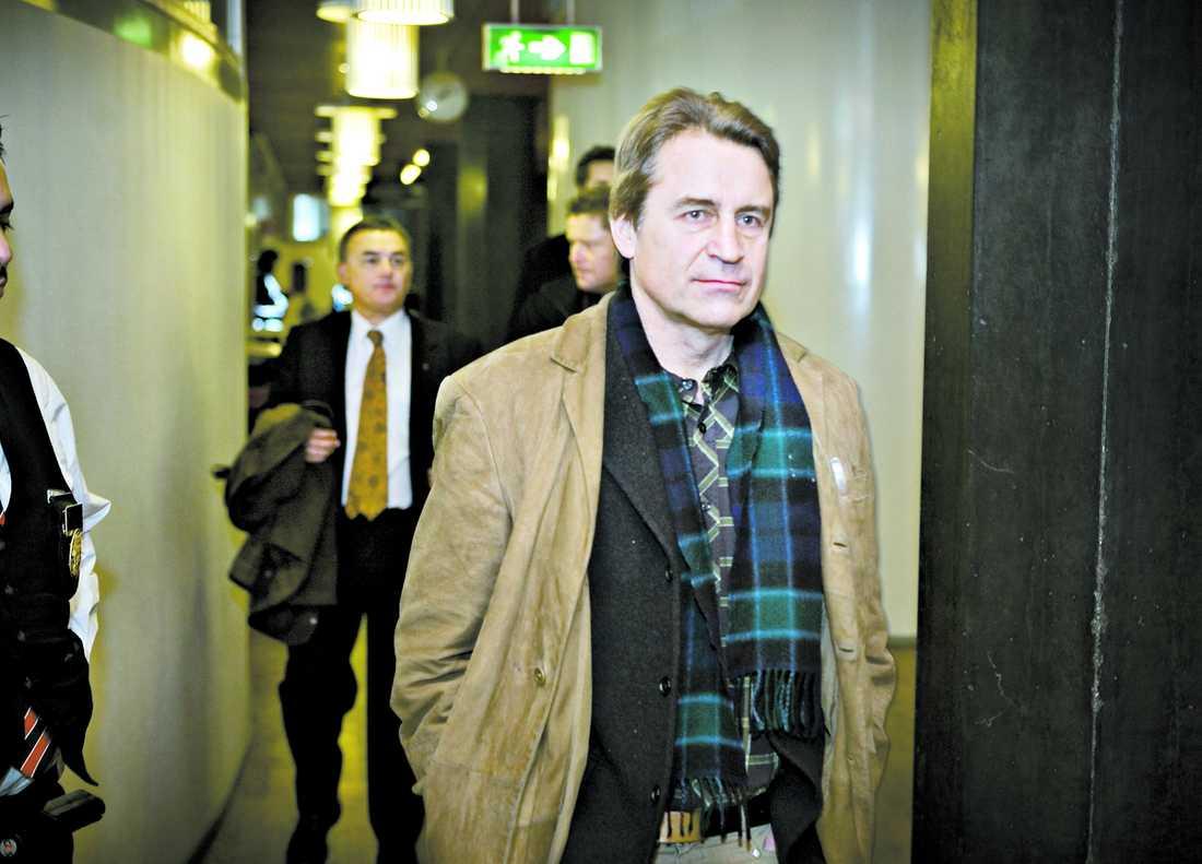 ENSAM Carl Lundström, 49, är arvtagare till brödjätten Wasabröd. Han är den enda av de fyra dömda som har pengar och möjlighet att betala det rekordstora skadeståndet på över 30 miljoner kronor.