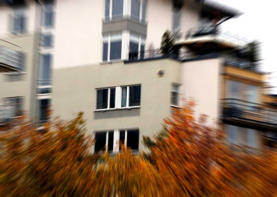 Efterfrågan på större lägenheter har ökat under pandemin, berättar Johanna Hogell Sallhag. Lägenhetshus i höstfärger.