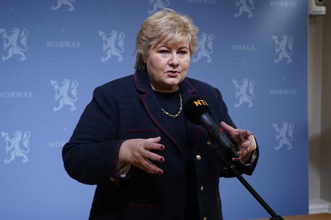 Norges statsminister Erna Solberg uttalar sig om nedstängningen i Osloregionen på lördagen.