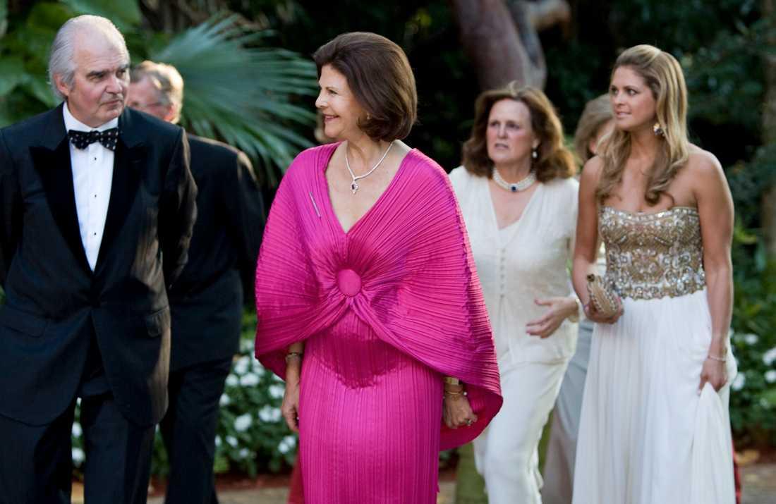 Drottning Silvia har bland annat besökt en välgörenhetsmiddag till förmån för World Childhood under sin New York-vistelse.