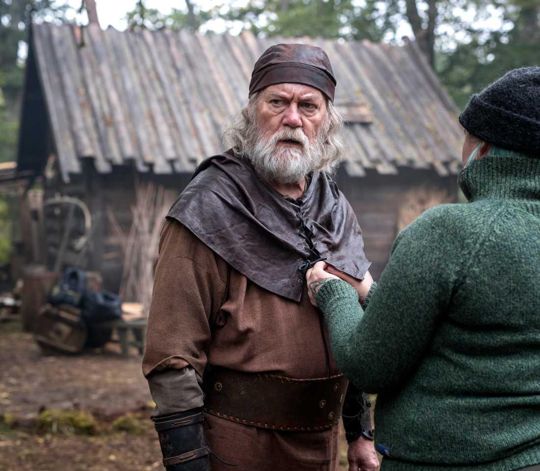"Peter Haber som smeden i filmen ""Halvdan viking""."