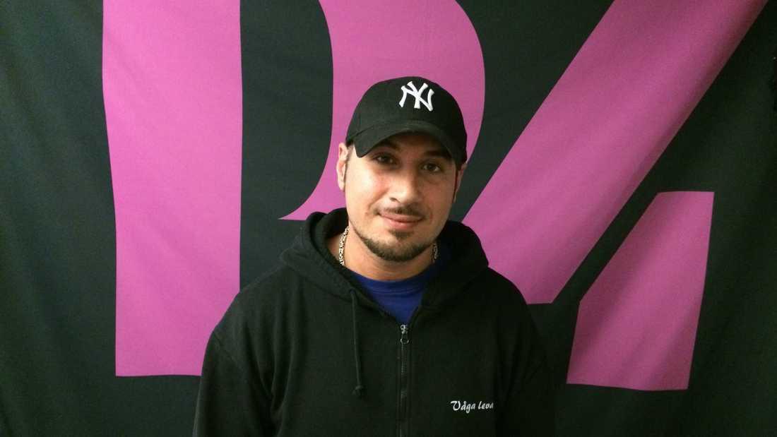 Rapartisten och radioprogramledaren Vahid Rastegar blev 33 år gammal.