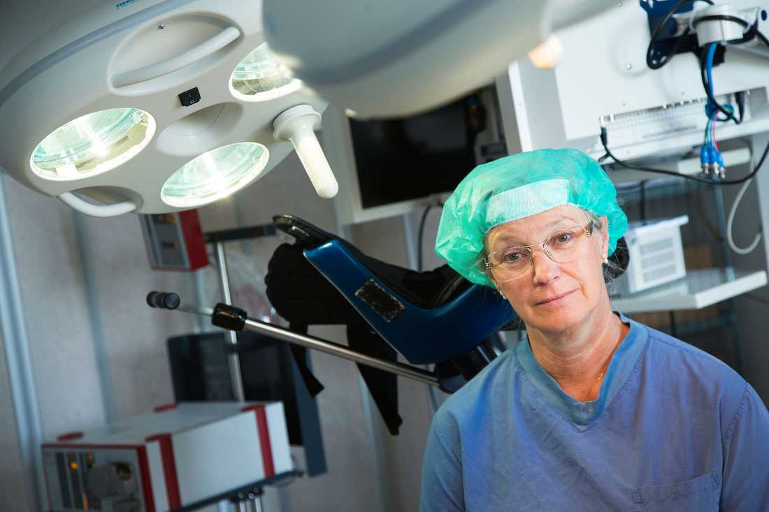 """""""Om man har en muskel som inte fungerar, så kan man inte knipa"""", Eva Uustal, överläkare i gynekologi och obstetrik vid Linköpings universitetssjukhus."""