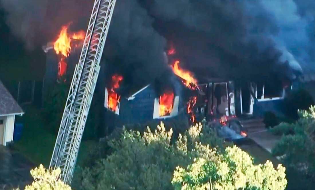 Explosionerna har inträffat i samhällena Andover, Lawrence (bilden) och North Andover, norr om Boston.