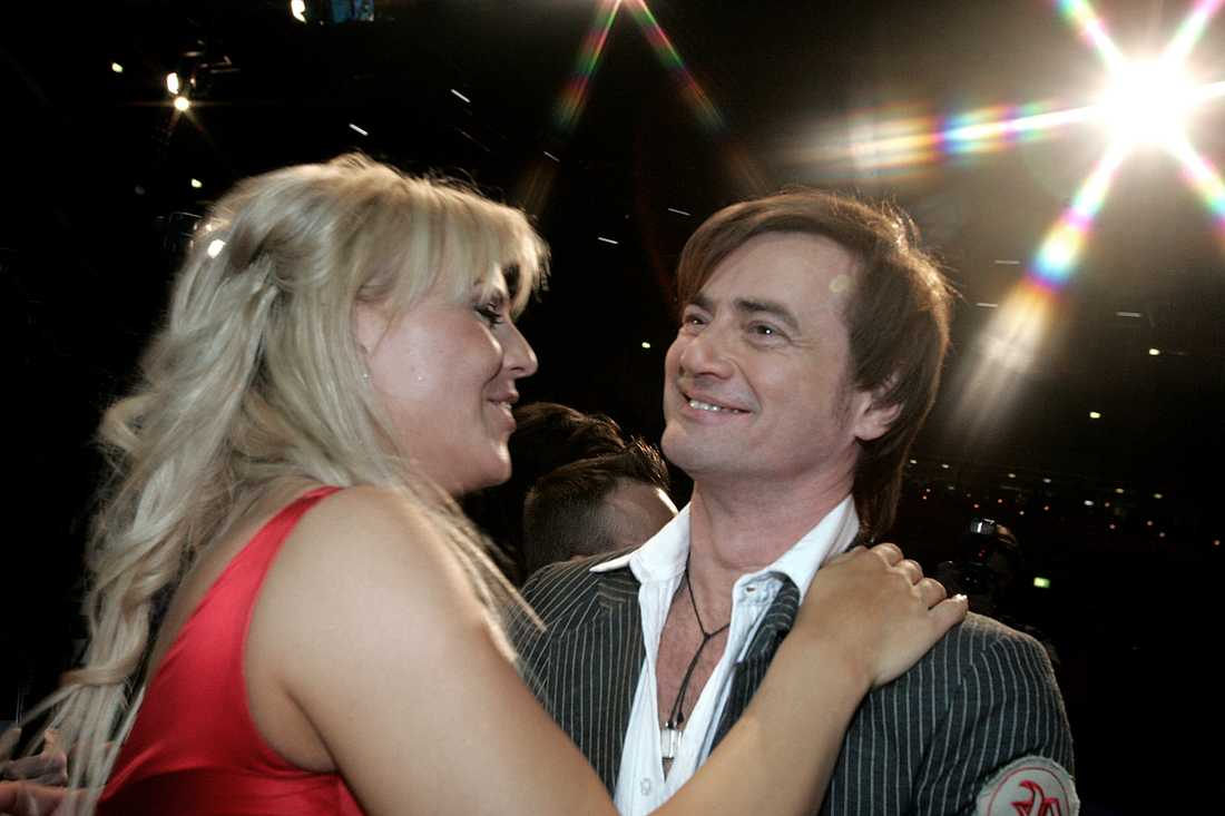 Melodifestivalen 2005. Deltävling i Linköping. Josefin Nilsson tillsammans med Christer Björkman