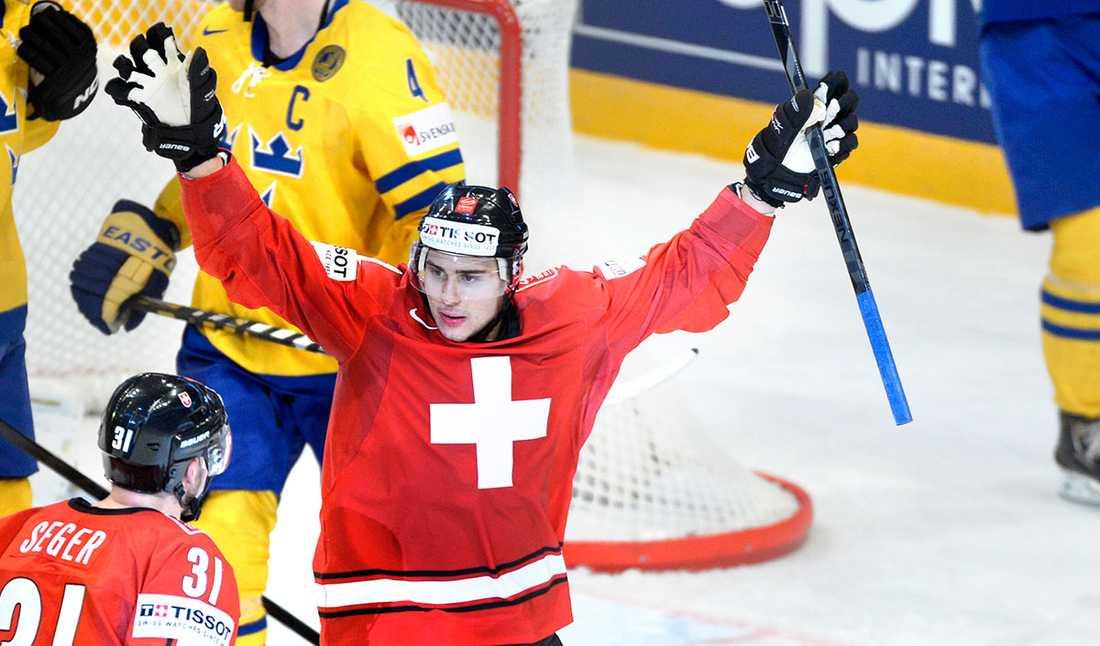 NINO NIEDERREITER, FW, +++ 20 år, 188 cm, 94 kg. Klubb: NY Islanders. I år: 74 matcher (i Bridgeport i AHL), 50 poäng (28+22), 38 utv.min