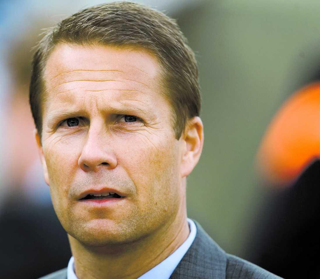krismöte AIK:s sportchef Ola Andersson satt igår i krismöte med klubbledningen. Enligt Sportbladets uppgifter riskerar Dulee Johnson såväl avstängning som löneavdrag.