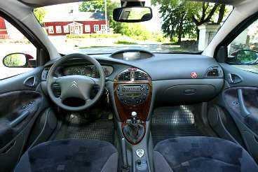 Citroëns kupé är stor, hög och luftig...