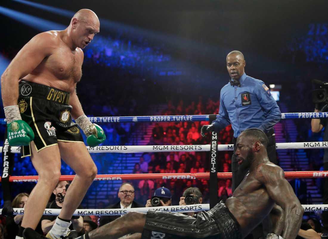 31-årige Fury knockade Wilder, 34, för gott i den sjunde ronden.