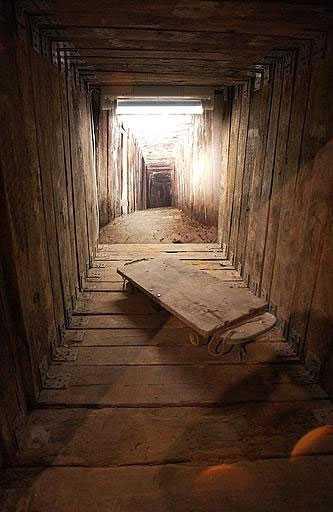 Så här såg tunneln ut. Den var sofistikerat byggd, med belysning och dragen el.