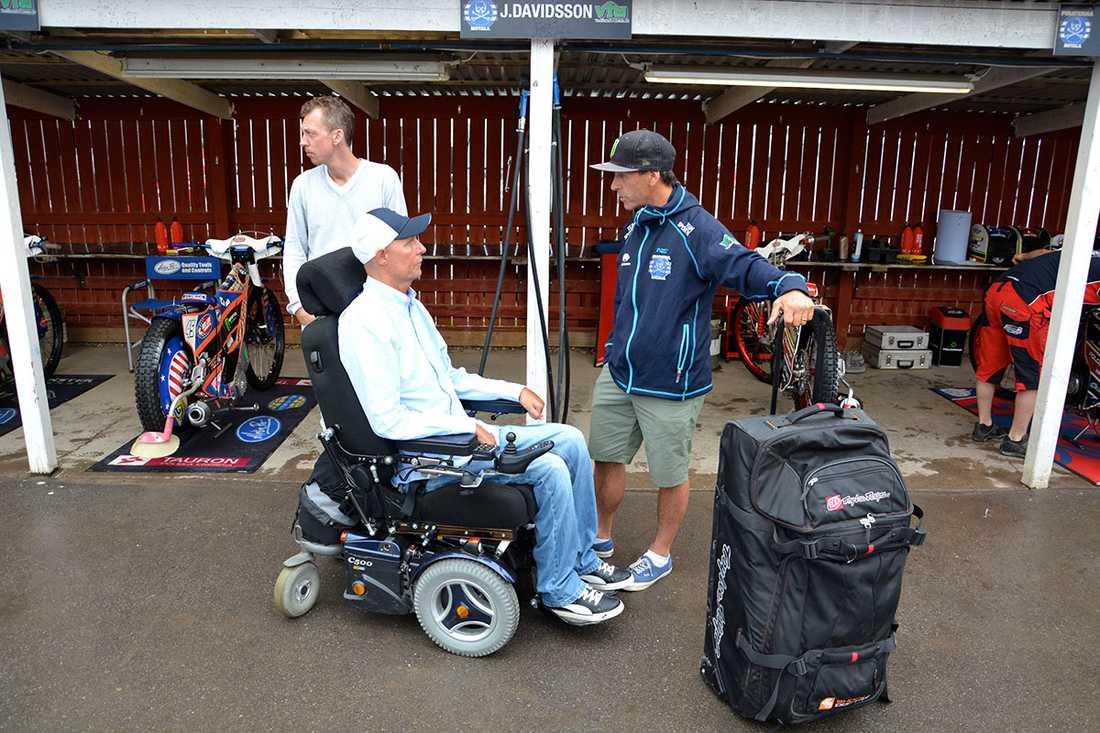Per Jonsson, expertkommentator för Cmore, sitter i rullstol sedan en krasch.