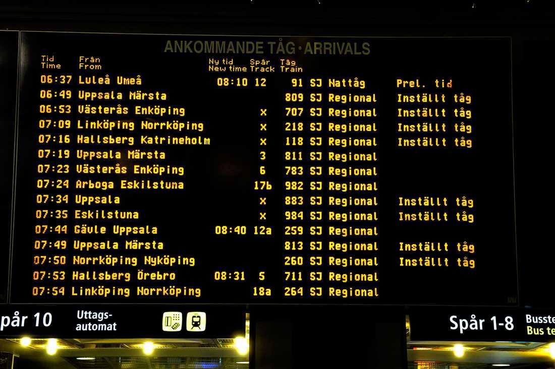Många tåg var inställda även på torsdagsmorgonen.