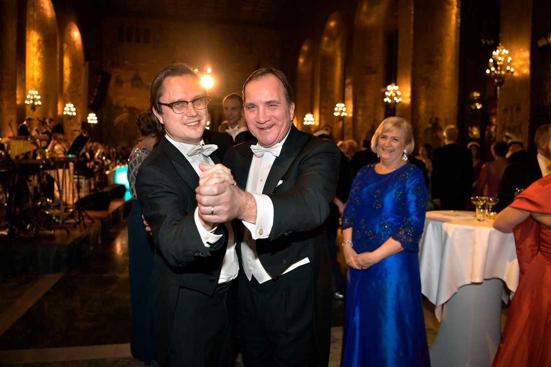 Aftonbladets Markus Larsson tar en svängom med statsminister Stefan Löfven på Nobelfesten.