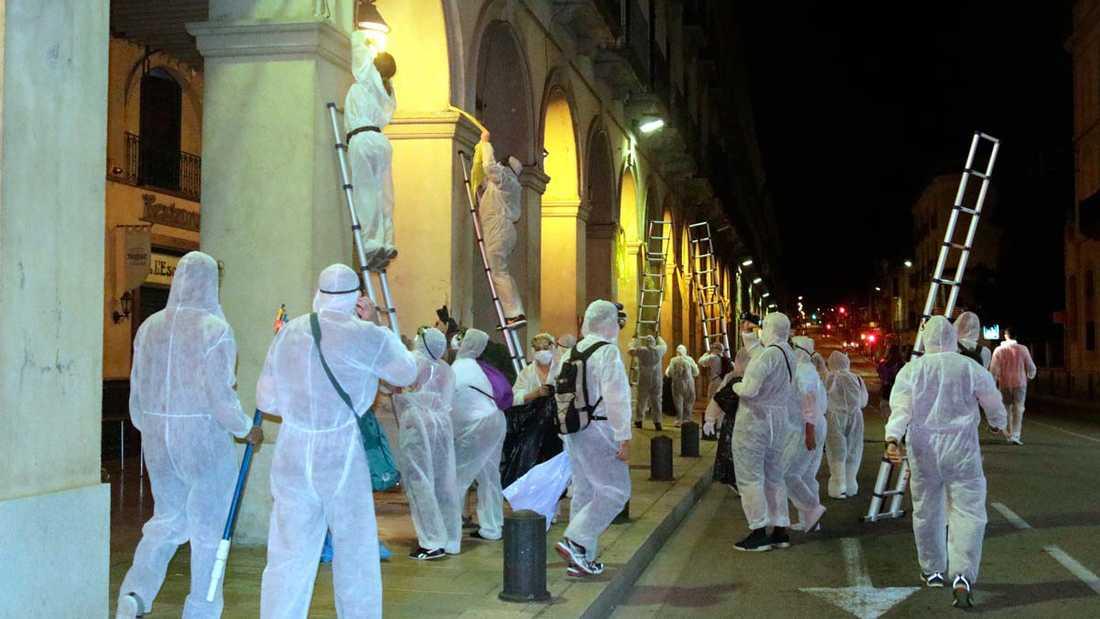 En sabotageaktion har genomförts på spanska Mallorca i protest mot den omfattande turismen på ön.