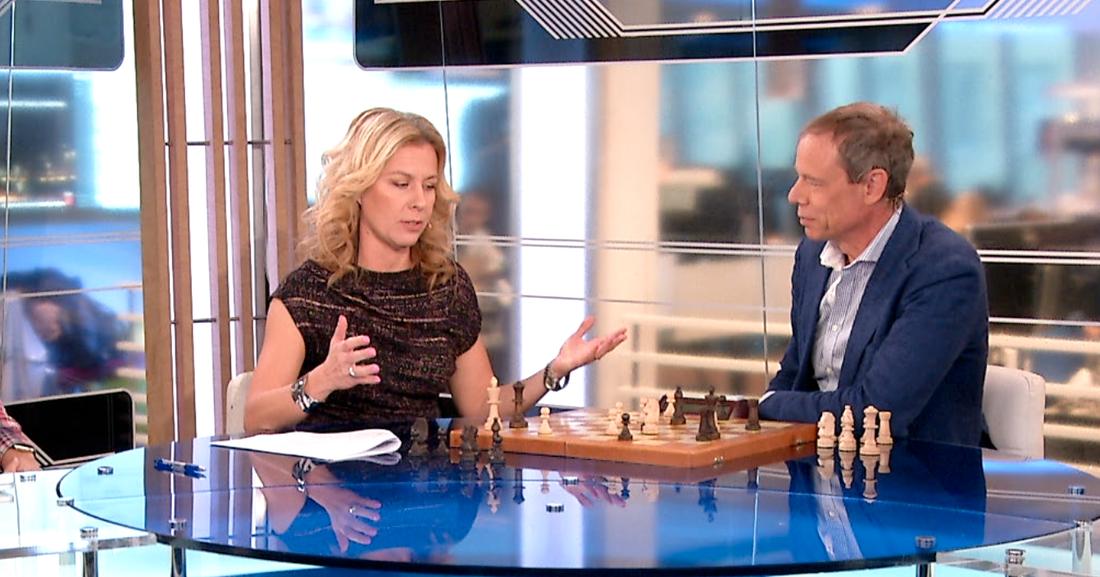 Christer Fuglesang tog ett schackparti mot Maria Bjaring i Aftonbladets Morgon-tv.